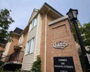 The Kings Towns - 208 Niagara Street