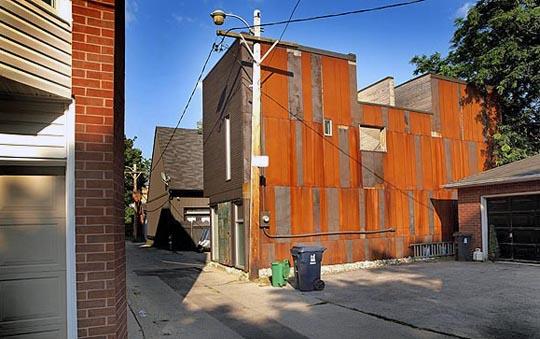 40R Shaftesbury Avenue - The Laneway House