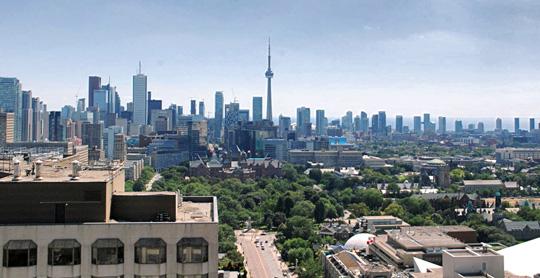 Price gap between Toronto houses, condos hits record high