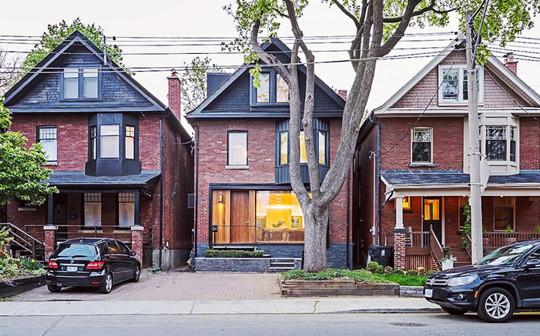 Toronto home prices surge